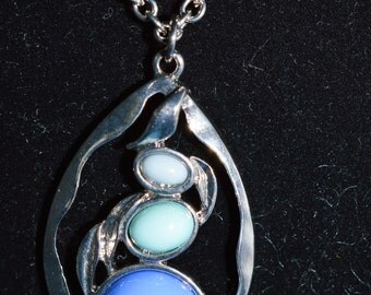"""Joan Rivers Cabochon Pendant Necklace 16 inch Silver chain plus 2"""" Ext ships in 24 Hrs"""