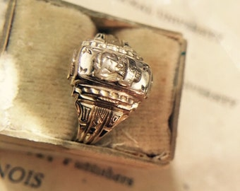 Vintage Art Deco Balfour 10K Yellow Gold High School Class Ring - Size 7, 4.2 grams
