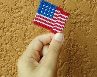 PLASTIC CANVAS PATTERN - Wavy American Flag, Plastic Canvas Flag, Easy Flag Pattern, Wavy Flag Pattern, Needlepoint Flag