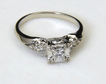 Vintage Estate 14k White Gold Diamond Engagement Ring Sz 5 .20 Carats