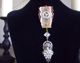 Steampunk Medal Ladies Diamante Owl Medal Gear And Cog Leather & Lace Pin Badge Brooch
