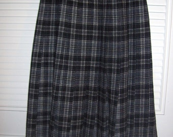 Skirt 4, Vintage Pendleton Drummond Grey Tartan Wool Pleated Skirt Size 4