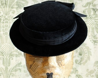 Gothic Victorian Mini Hat with Bow,Black Edwardian Tea-Party Mini Hat,Black FloralMini Hat- Made to Order