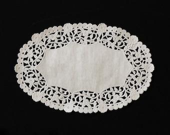 "6"" x 9"" White Oval Lace Paper Doilies - 50 Quantity"