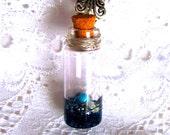 Fiole à souhait avec turquoise et perle