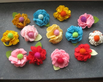 beatutiful flower scrunchies for girls and Moms from Felt
