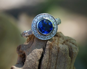 Sapphire Diamond Halo Engagement Ring - 18K Gold - Size 6.25