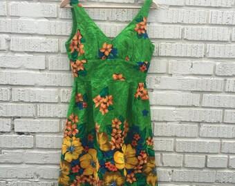 60s 70s Green Floral Hawaiian Sun Dress. 1960s. 1970s. Small. Built in Bra. Tank. Mini Dress. Lauhala.