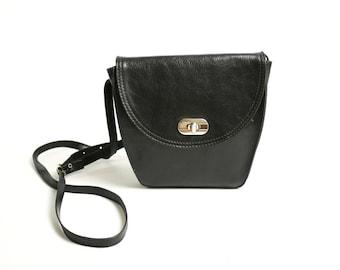 Vintage 70's 80's Small Black Leather Bag Cross Body Messenger // Mini Satchel Leather Bag