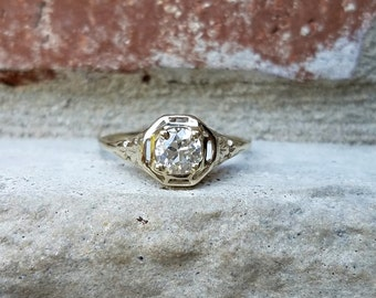 Antique Art Deco Engagement Ring with VVS Old European Diamond in 14k White Gold