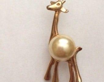 Vintage Giraffe Brooch