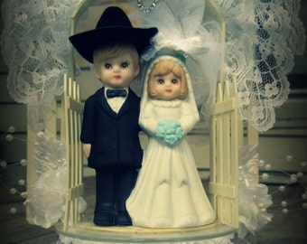 WESTERN WEDDING Cake Topper Man and Wife Black Light Blue Country Cowboy Hat Lace Porcelain White Pickett Fence Bride Groom