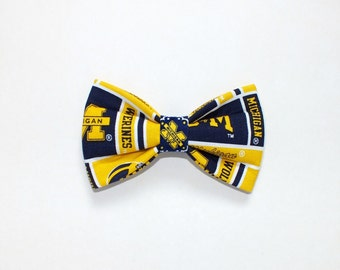 University of Michigan Dog bow tie, Cat bow tie, fabric bow tie for dog/cat collars, pet bow tie, collar bow tie, wedding bow tie