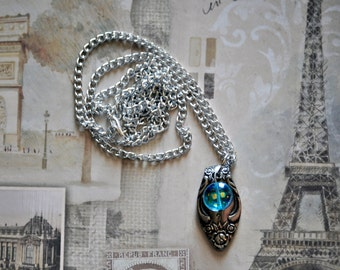 Woman's necklace with pendant made from vintage spoon