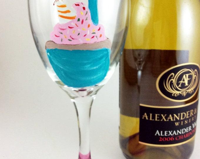 Birthday wine glass, Birthday gift, personalized glasses, Gift for her, Best friend Birthday, Wine lover gift, Gift for Mom, Wine glass gift