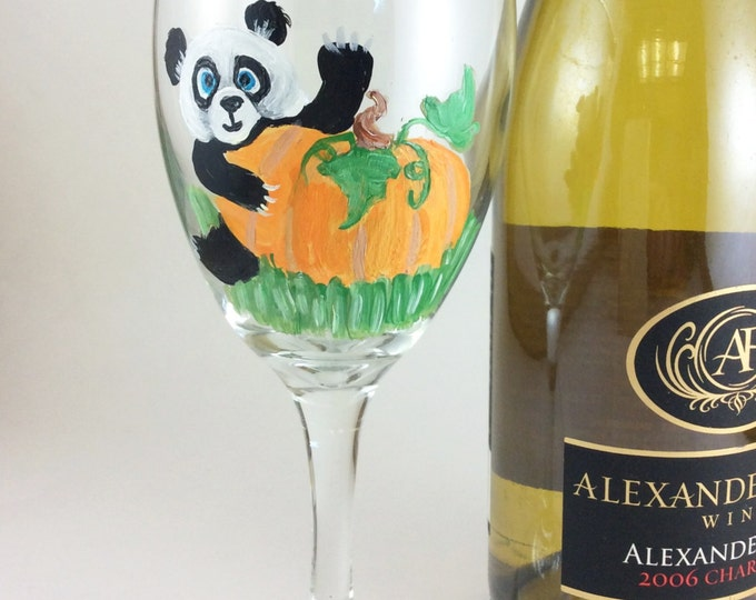 Panda Lover Gifts, Hand painted glass, wine lover gift, new home gift, Mothers day gift, Unique wine gift, Housewarming gift, wine gift