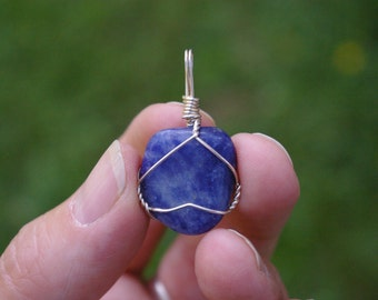 Sodalite Crystal Pet collar Charm Jewelry, Soothing energy, Transition, Change, Life changes, Throat Chakra Gem Charm, Creativity, 48PP