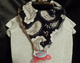 Pacifier bib for ages 6 months up to 2 years .