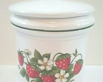 Vintage Ceramic Cookie Jar, Made In Japan, Strawberry Cookie Jar, Vintage, Retro Cookie Jar, 1970s Design.