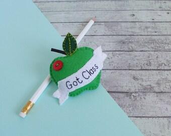 Teacher thank you gift - felt apple brooch - teacher appreciation gift - end of term gift - teacher brooch -  teacher apple badge