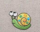 Small - Children's ShimmeryGreen Snail - Iron on Applique - Embroidered Patch - 1120838