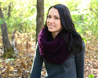 The Kitling Chunky Winter Cowl ∙ Scarf ∙ Eggplant Purple