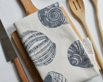 Tea Towel, Nautical Kitchen Towel, Flour Sack Towel, Cotton Dishcloth, Tea Towel Flour Sack, Tea Towels, Nautical Kitchen Decor, Shell Towel