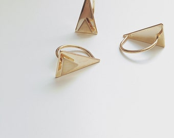 SunJewel gold two triangle cutout topped  ring jewelry gift