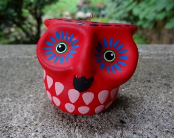 Bright Red Hand Painted Owl Made In Costa Rica // Vintage Woodland Home Decor // Boho Home // Hippie Home // Owl Collectible