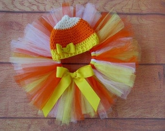 Candy Corn Tutu and hat with yellow bow.  Sizes Newborn to 2 years.  Baby girl's Halloween costume or photo prop.