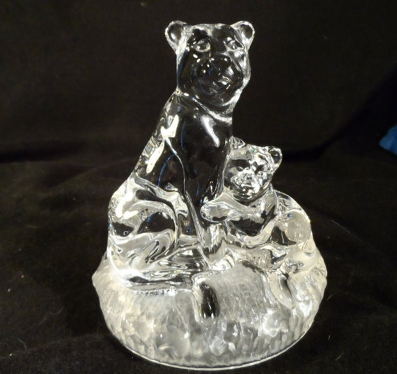 Cougar Figurine-Paperweight : Sitting-Cougar-Mountain Lion & Cub-RCR Royal Crystal Rock-Frosted/Solid Crystal Glass Figurine Ital