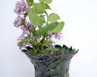 Ceramic flower vase, modern vase, gift, green flower vase, Handmade Ceramic Flower Vase, small flower vase, ceramics and pottery