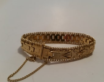 "Vintage Gold Tone 7"" Bracelet - Never Tarnish - Great Condition!"