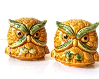 Vintage Salt and Pepper Shakers / Retro Owl Salt and Pepper Shakers Japan / Vintage Owl Figurine / Retro Kitchen