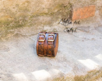 Bracelet of power leather handmade Brown marked