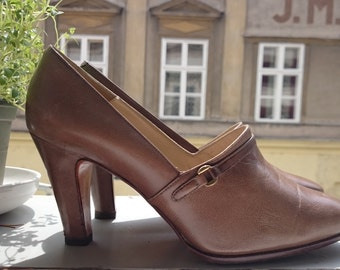vintage sand brown pumps made in italy sz 37 38 shoes 8 cm / 3 inch heel - US 7 - UK 5
