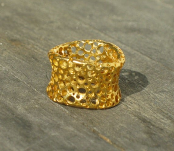 Fairmined Gold Plated Ring-Ecume Colection-Gold Foam-Sustainable Jewelry-Fair trade Ring-Contemporary Designs-Ecological Jewel-In Barcelona