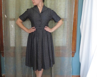 1950s Gray Patterned Shirt Dress Vintage Shirtwaist Full Skirt Dress 50s Midi Dress Mid Century New Look Fit & Flare Belted Pocket Dress
