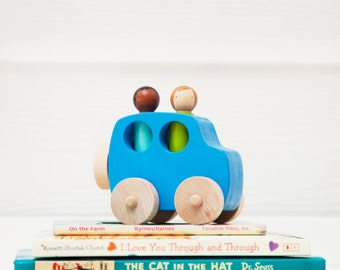 Wooden Toy Jeep // Peg Doll Jeep // Wooden Vehicle // Wooden Toys // peg people