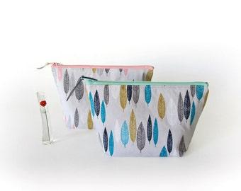 Makeup pouch, Zip pouch, cosmetic pouch, medium zipper bag, bridesmaid gift, organic cotton pouch