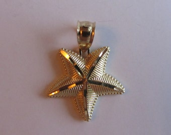 14k Gold Fancy Star Fish Pendant/ Charm 1.35g