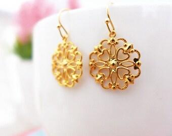 Gold Lace Earrings, Gold Filigree Earrings, Lace Filigree Dangle Earrings, Gold Heart Earrings, Lightweight Earrings Gold Victorian Earrings