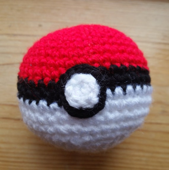 Amigurumi Pokemon Ball : Crochet Pokeball: Amigurumi Pokemon plush ball Catch it now