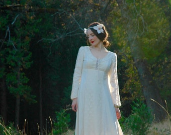 1970s Vintage Cotton and Lace Wedding Dress... Gunne Sax Style Bridal... Dream Dress