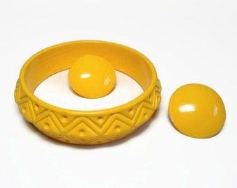 Canary Yellow Carved Saucer Bangle Bracelet & Pierced Earring Demi Parure - Vintage 70's Euro-Nov Designer Costume Jewelry Sets