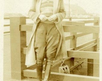 "Vintage Photo ""Waiting for the Ferry"" Women Fashion Snapshot Antique Photo Old Black & White Photograph Found Paper Ephemera Vernacular - 10"