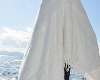 Large Natural white Tussah silk meditation shawl. Non-violent Ahimsa silk