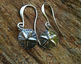 Silver plated contemporary starfish sand dollar earrings