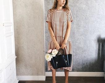 dress 'striped'