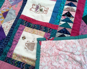 Honey Bear Patchwork Throw or Baby Playmat/Cot Blanket. New Quilted Lap Blanket. Handmade Blanket. Quilted Throw Rug. Kids Quilt